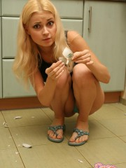 Teen Girl Erica Nude In The Kitchen - Picture 5